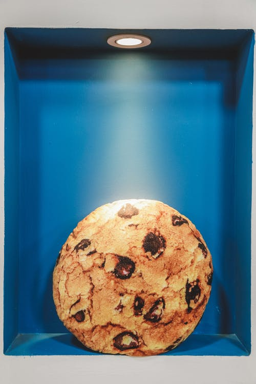 Cookie on Box