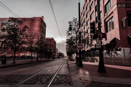 Бесплатное стоковое фото с архитектура, вывески, город, городской