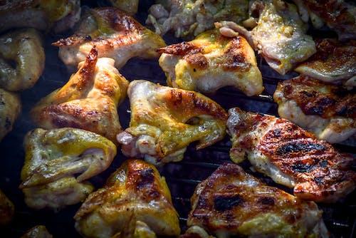 Gratis arkivbilde med grill, kylling, kyllingvinger, mat