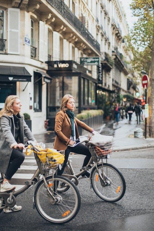 Immagine gratuita di andare in bicicletta, biciclette, centro città, ciclista