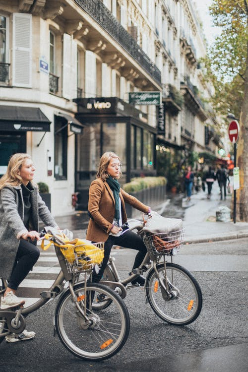 Fotobanka sbezplatnými fotkami na tému bicykle, bicyklovanie, centrum mesta, cesta