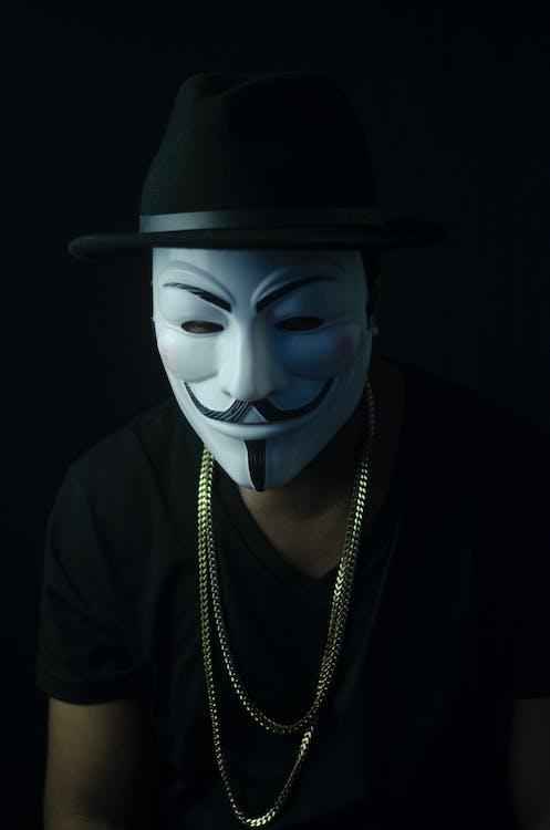 anh chàng mặt nạ fawkes, bí ẩn, chàng