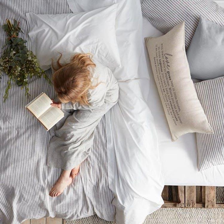 small girl read a book
