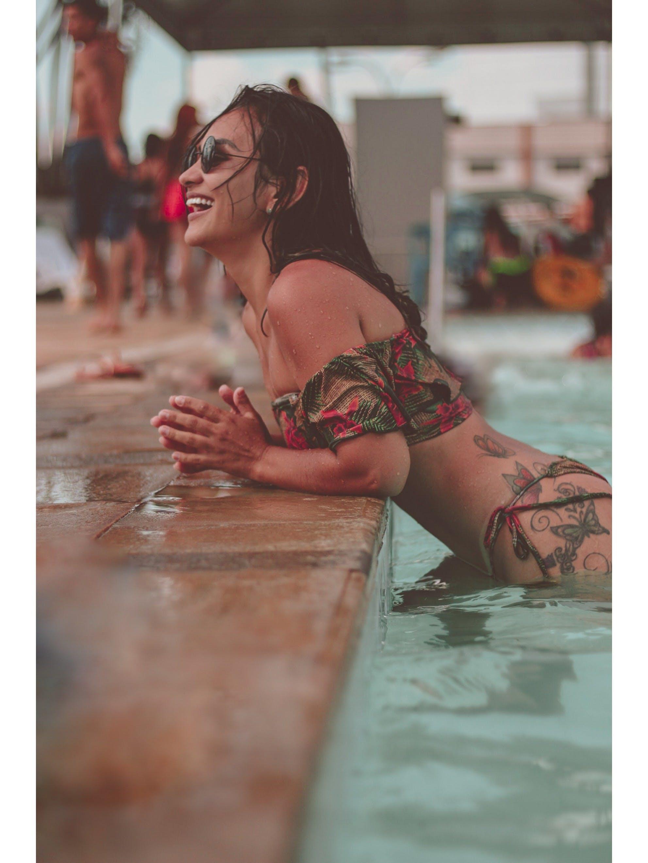 Kostenloses Stock Foto zu asiatische frau, badeanzug, baden, badeort