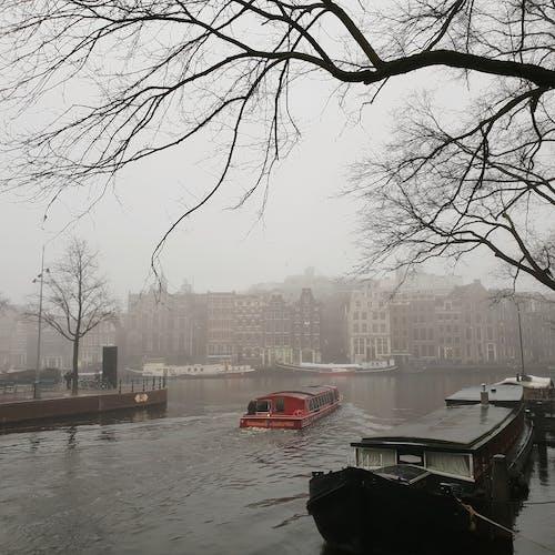 Безкоштовне стокове фото на тему «#city #fog #winter #canals #travel #boat #adam»