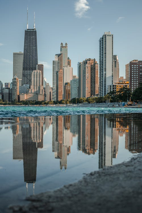 Безкоштовне стокове фото на тему «архітектура, будівлі, відображення, вода»