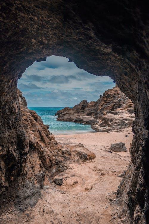 Kostenloses Stock Foto zu felsen, ferien, himmel, höhle