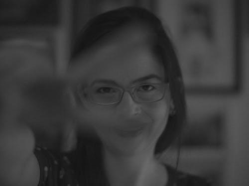 pb, 미소, 여자 손의 무료 스톡 사진