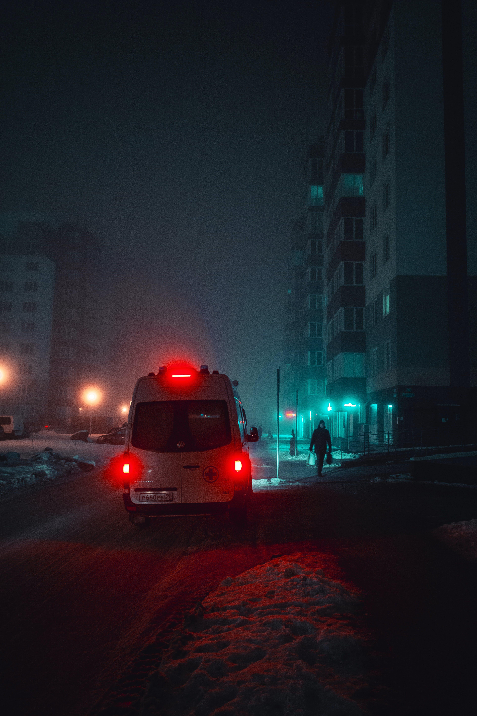 Gratis stockfoto met actie, ambulance, automobiel, avond