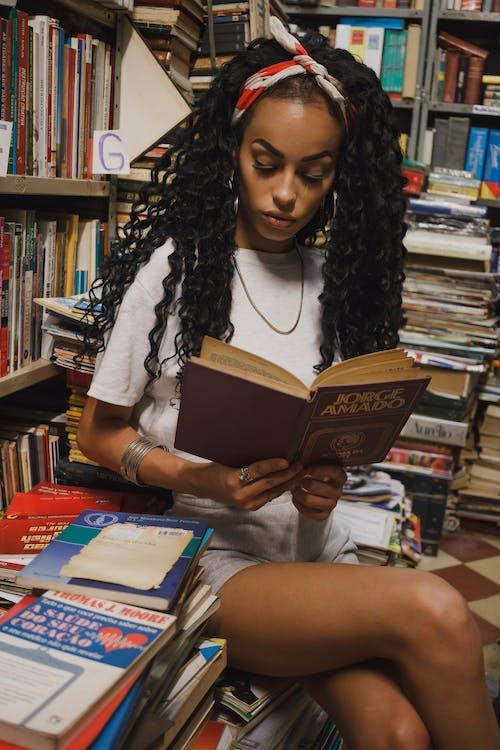 aktie, bibliotek, boghandel