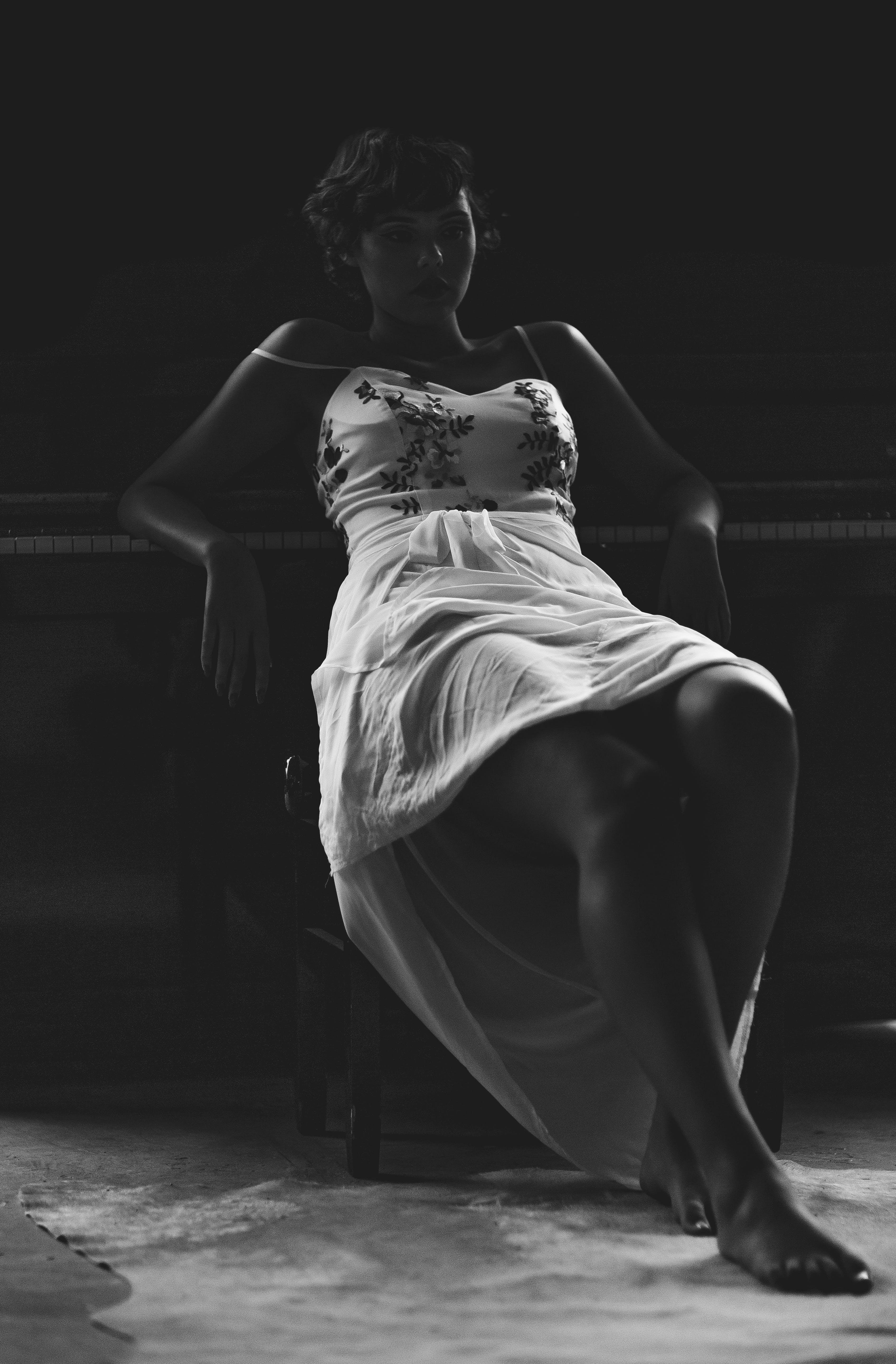 Darmowe zdjęcie z galerii z atrakcyjny, kobieta, modny, nosić