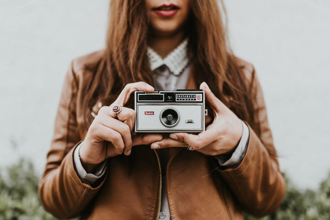 analogowy, aparat, kobieta