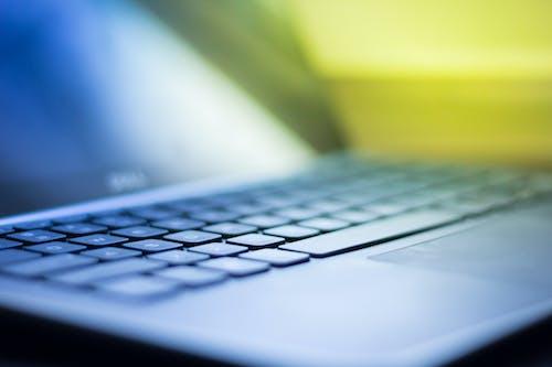 Foto stok gratis keyboard, kibor, laptop, merapatkan