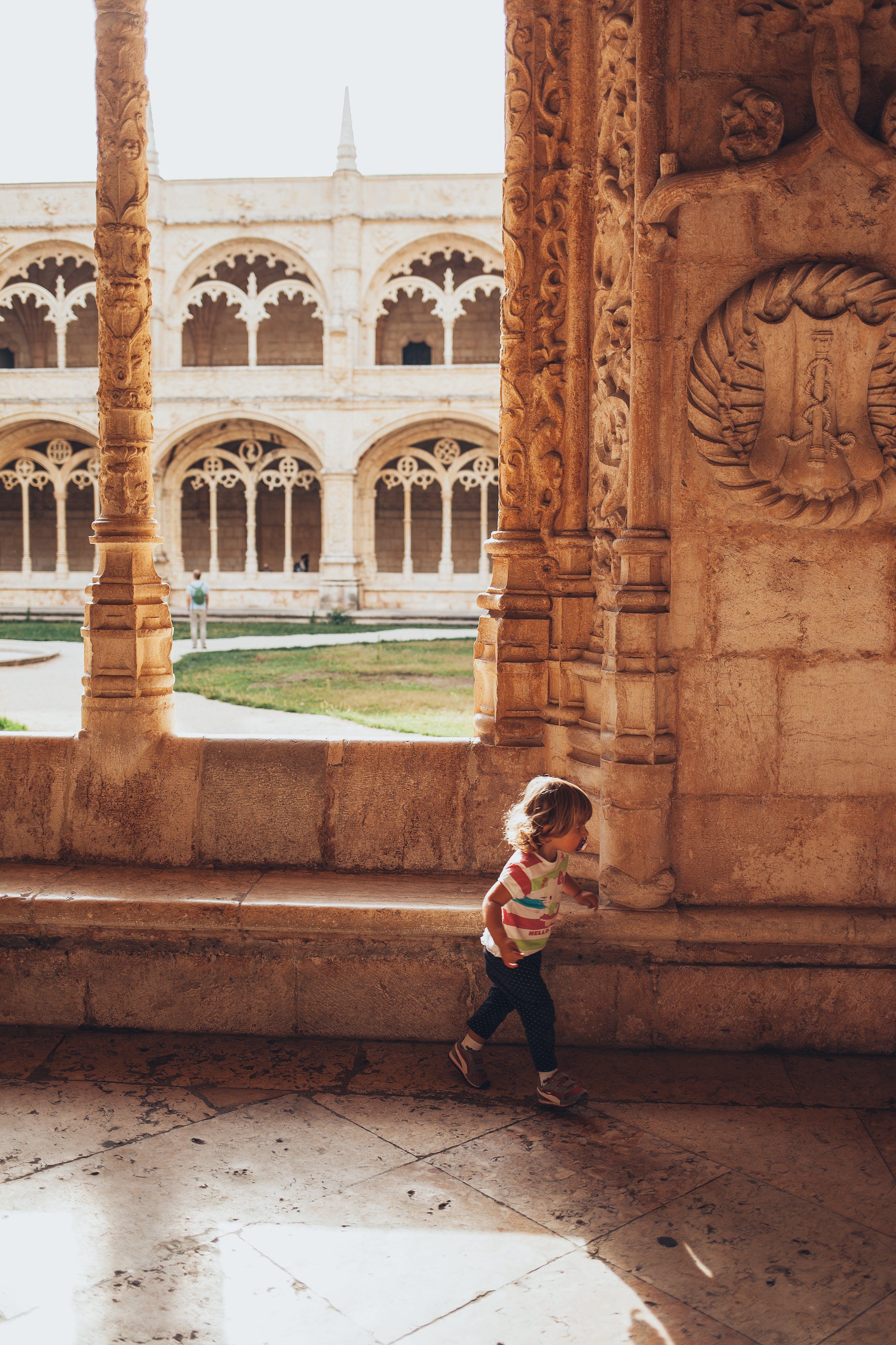 Gratis stockfoto met architectuur, attractie, baby, beeld
