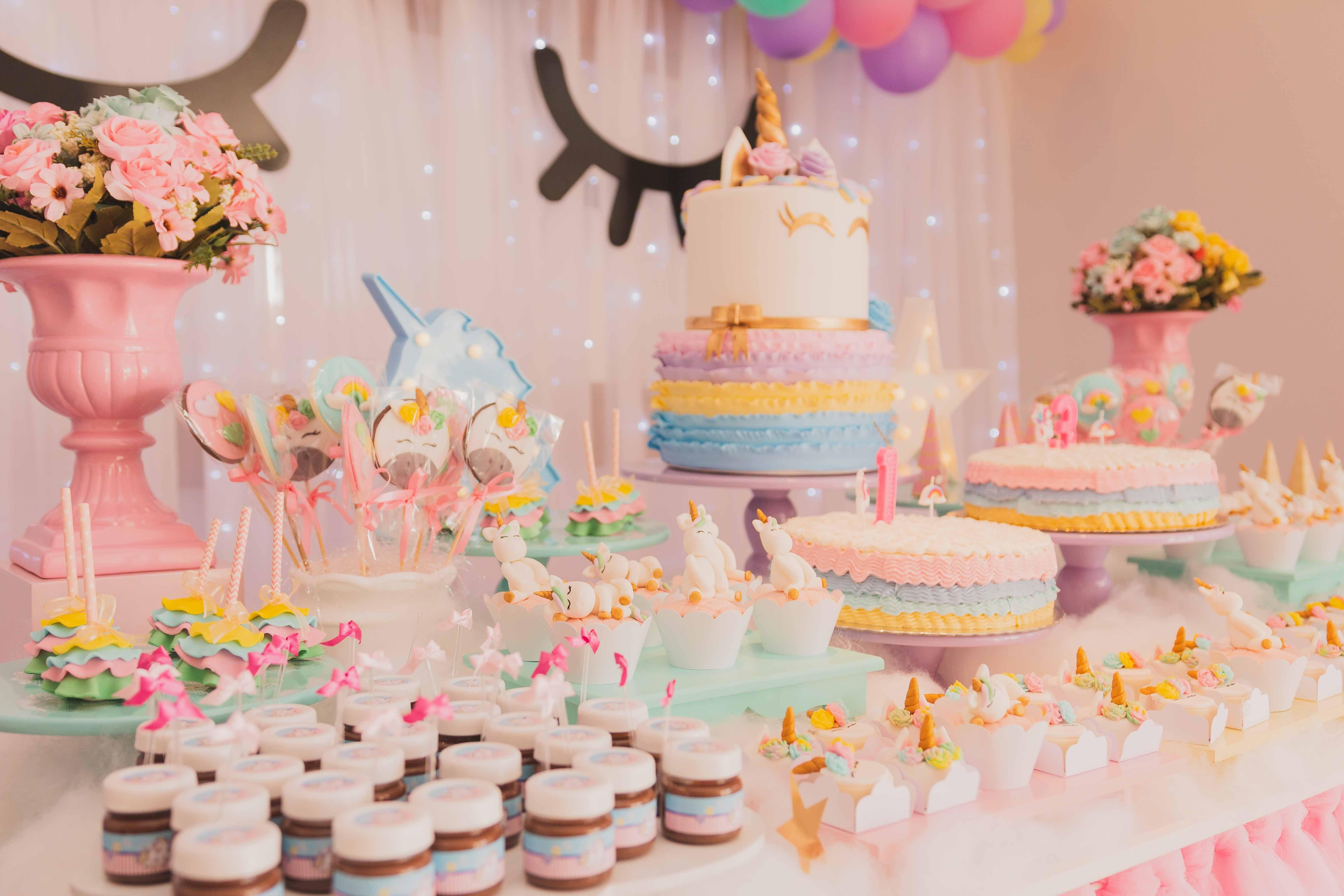 500  amazing birthday cake photos  u00b7 pexels  u00b7 free stock photos