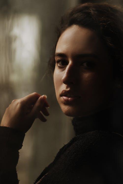 Darmowe zdjęcie z galerii z atrakcyjny, dama, dziewczyna, głębia pola