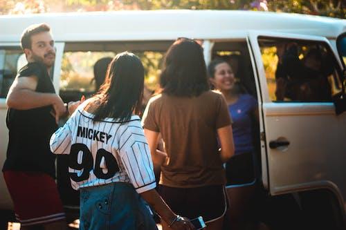 Photos gratuites de femmes, gens, homme, véhicule