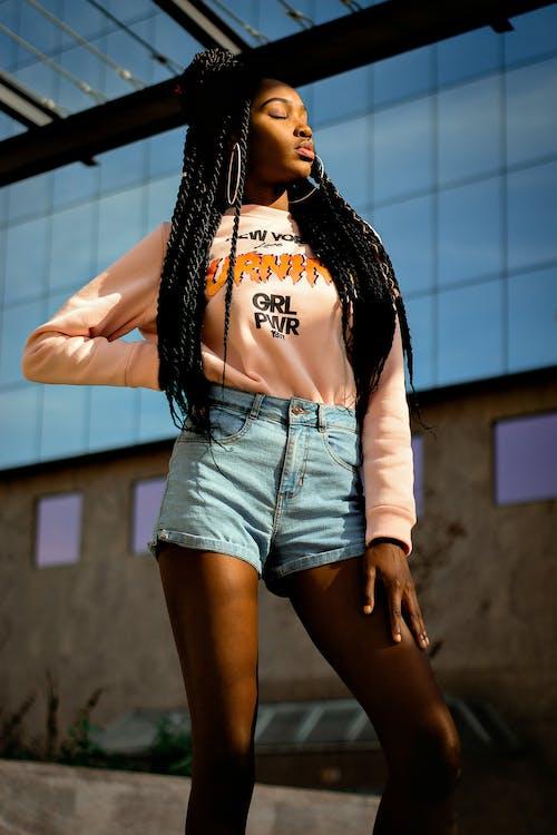 Darmowe zdjęcie z galerii z afroamerykanka, czarna kobieta, kobieta, moda