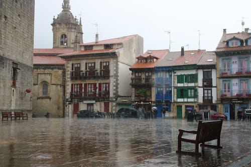 Gratis arkivbilde med firkant, hondarribia, regn, spania