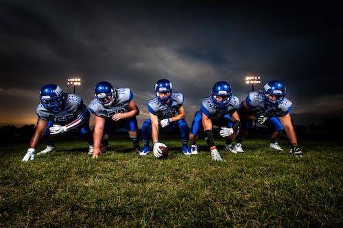 制服, 團隊, 安全帽, 橄欖球 的 免费素材照片