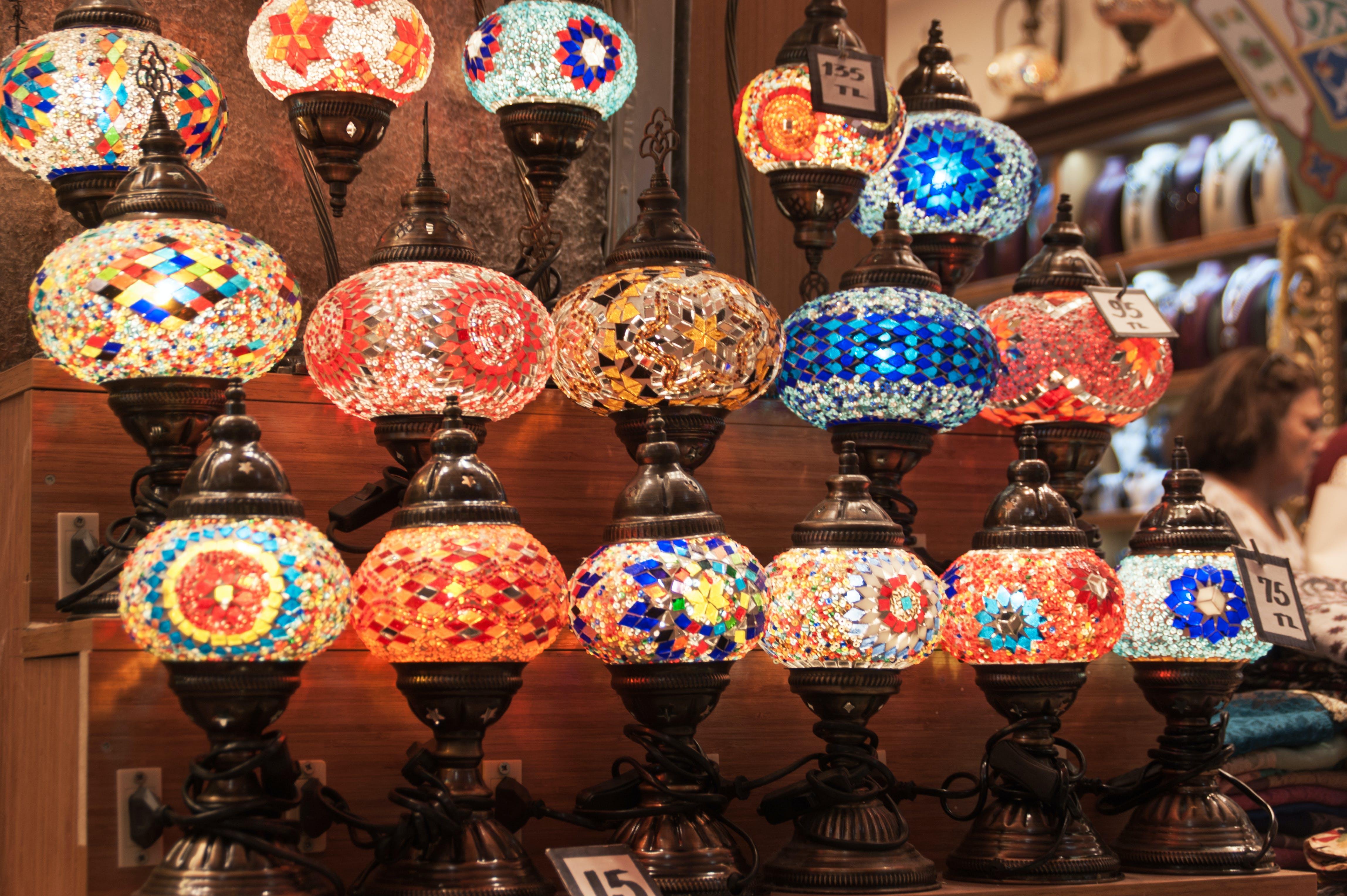Foto profissional grátis de brilhante, cor, luzes