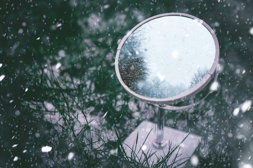 Darmowe zdjęcie z galerii z błyszczeć, lusterko, odbicie, przeziębienie