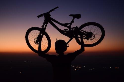 Kostnadsfri bild av aport, blå himmel, cykelsport, färger