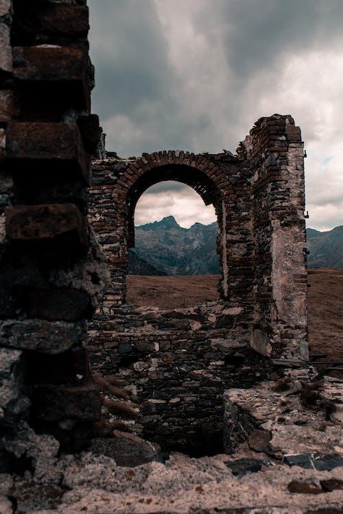 Бесплатное стоковое фото с Альпы, Арка, гора, заброшенный