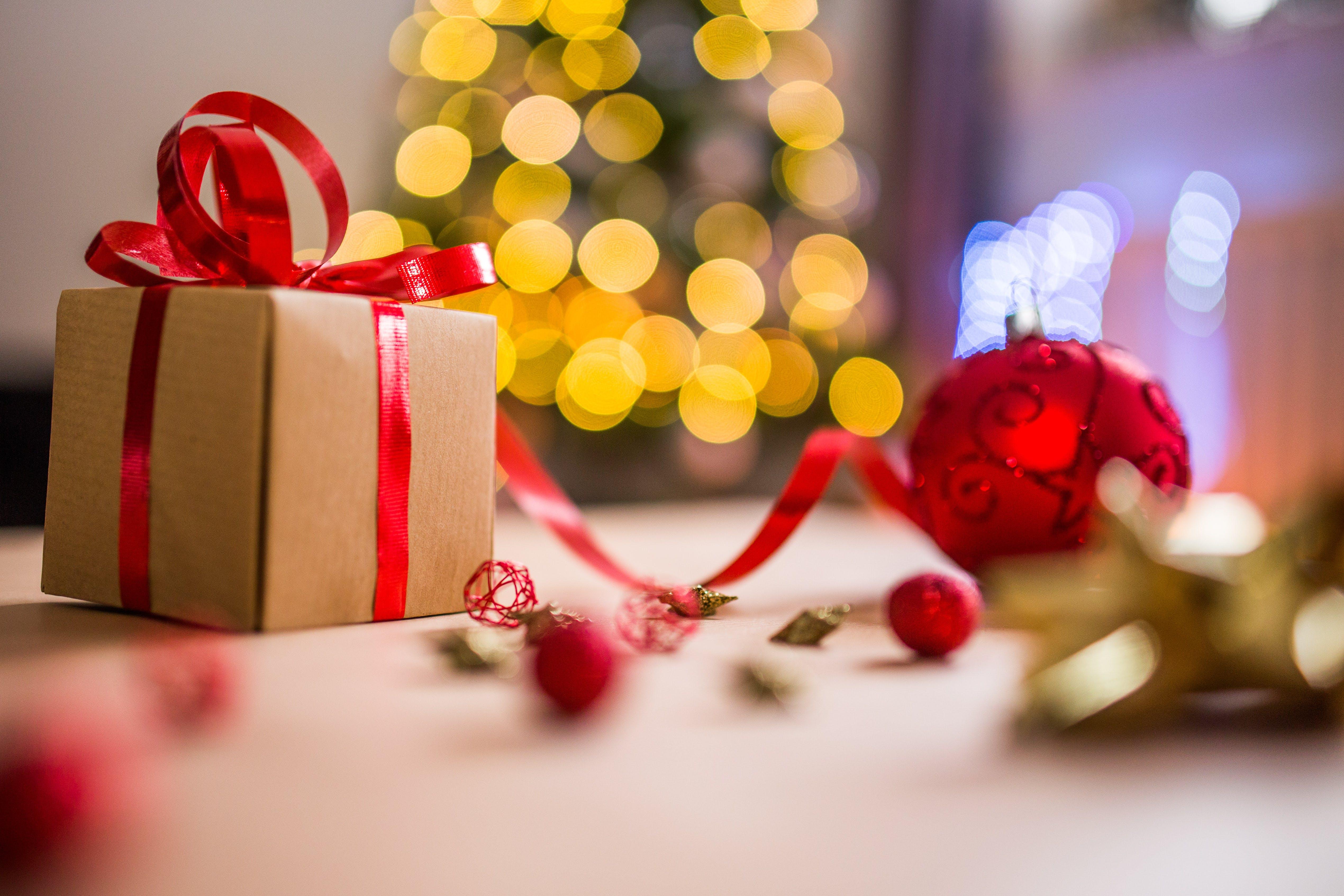 Foto profissional grátis de decorações de Natal, Natal, profundidade de campo