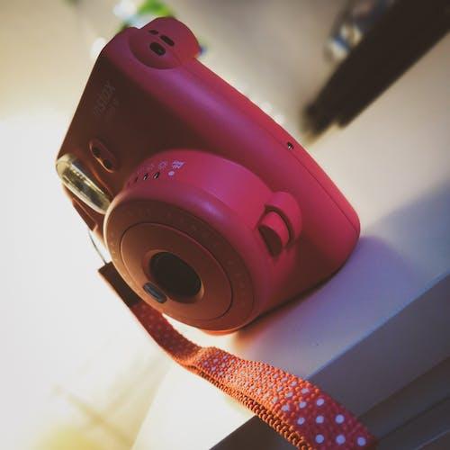 Безкоштовне стокове фото на тему «instax, рожевий»