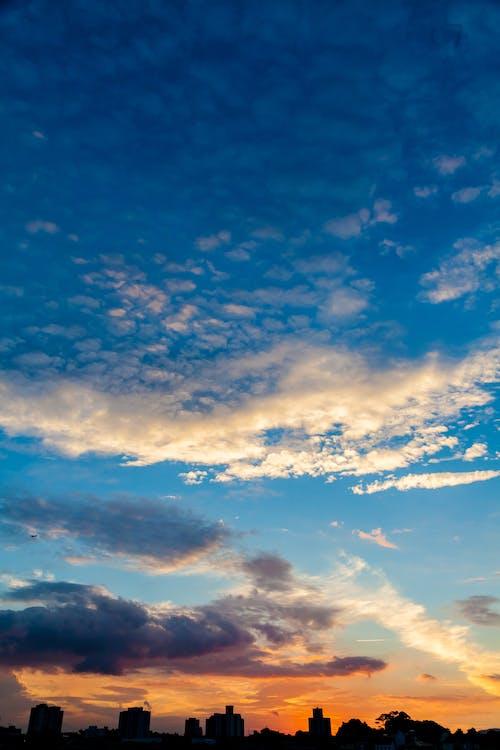 céu, céu alaranjado, céu azul
