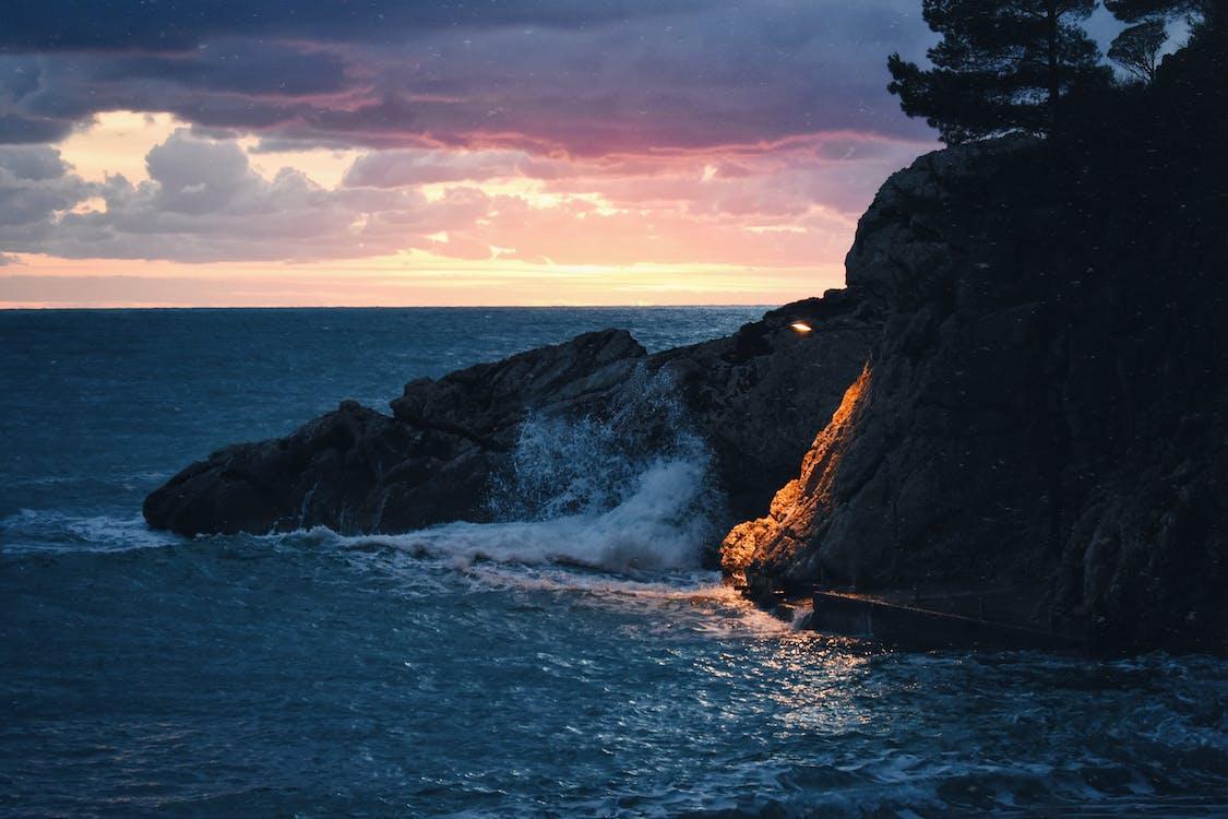 берег, берег моря, вечір