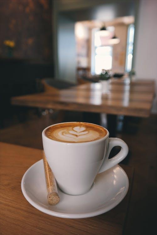 Immagine gratuita di attraente, bevanda, caffè, caffeina