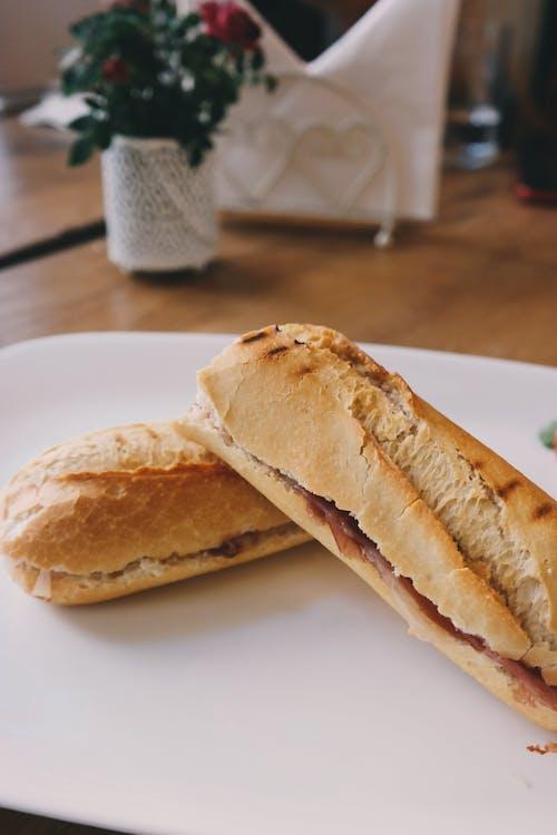 三明治, 法國麵包, 盤子, 食物 的 免費圖庫相片