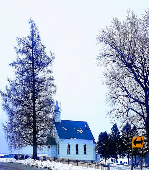 Gratis arkivbilde med #winter #snow #tree #sky #church #country #god