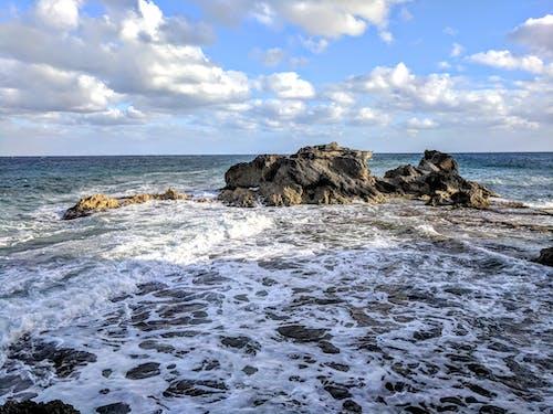 Fotobanka sbezplatnými fotkami na tému oceán, skaly, surf, útesy