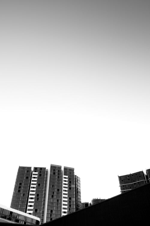 Gratis stockfoto met appartementencomplex, architectuur, minimaal, plaats
