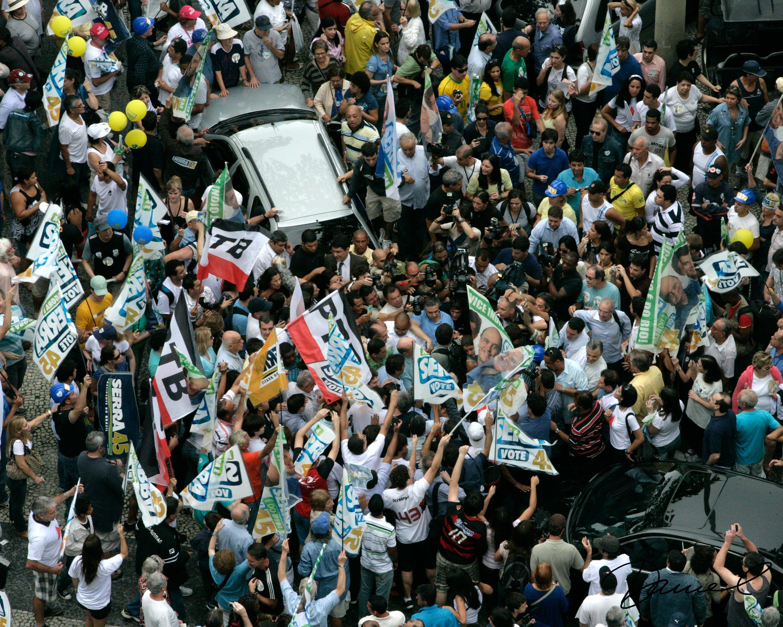 Kostenloses Stock Foto zu brasilien, kandidat umgeben, politik, protest