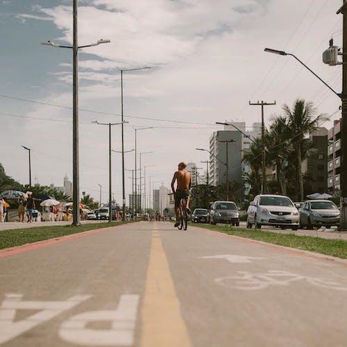 Imagine de stoc gratuită din autoturisme, autovehicule, bandă pentru cicliști, bărbat
