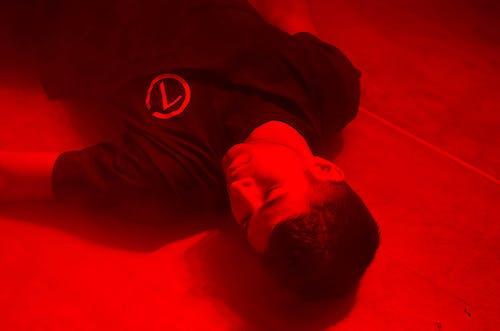 คลังภาพถ่ายฟรี ของ ความตาย, ตาย, นอนลง, ผู้ชาย