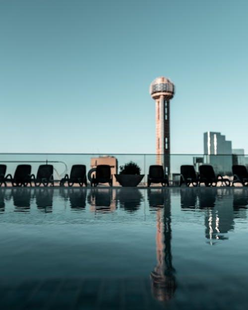Základová fotografie zdarma na téma architektura, budova, odraz, plavecký bazén