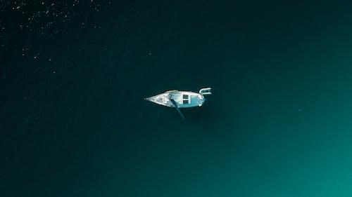 Fotobanka sbezplatnými fotkami na tému letecký záber, loď, more, oceán