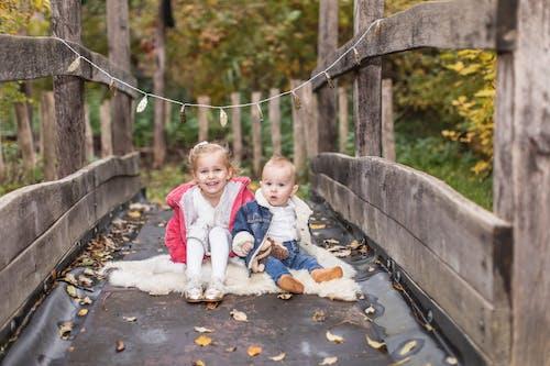 Základová fotografie zdarma na téma děti, sourozenci