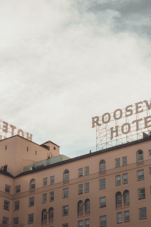 Roosev Hotel Signage