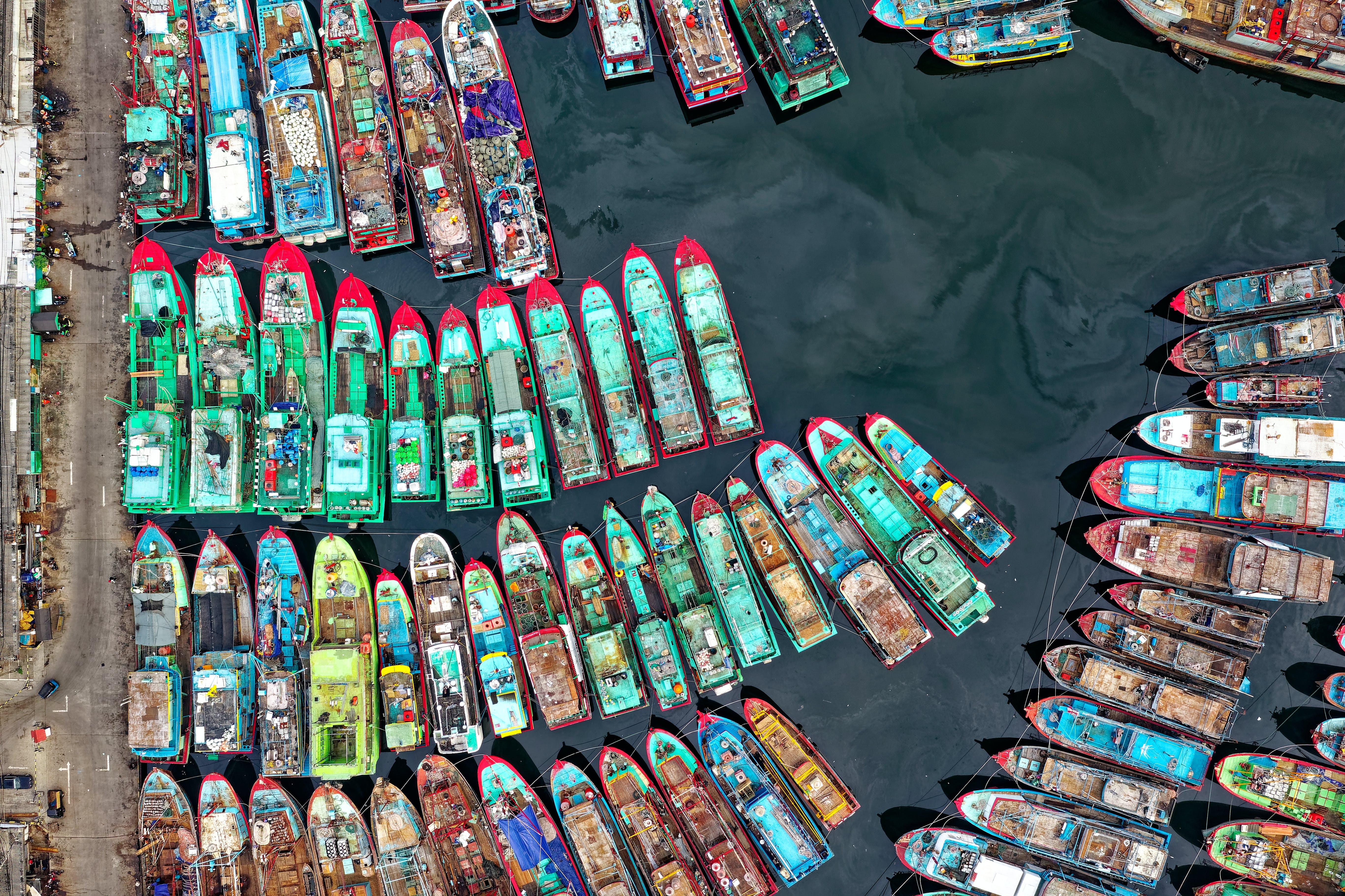 Kostenloses Stock Foto zu boote, drohne erschossen, fischerboote, indonesien