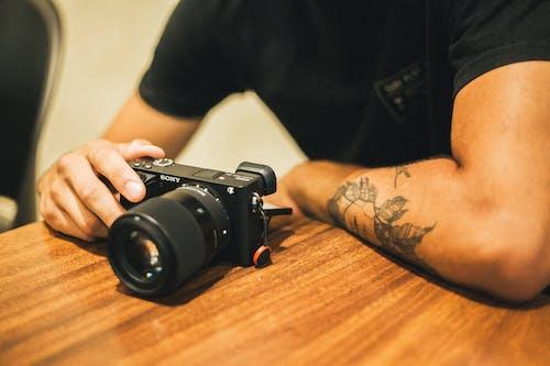 남자, 사람, 소니, 카메라의 무료 스톡 사진