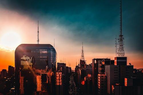 akşam, binalar, bulutlar, bürolar içeren Ücretsiz stok fotoğraf