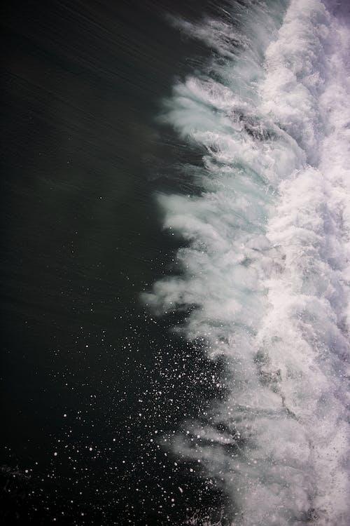 물, 물을 튀기다, 부서지는 파도