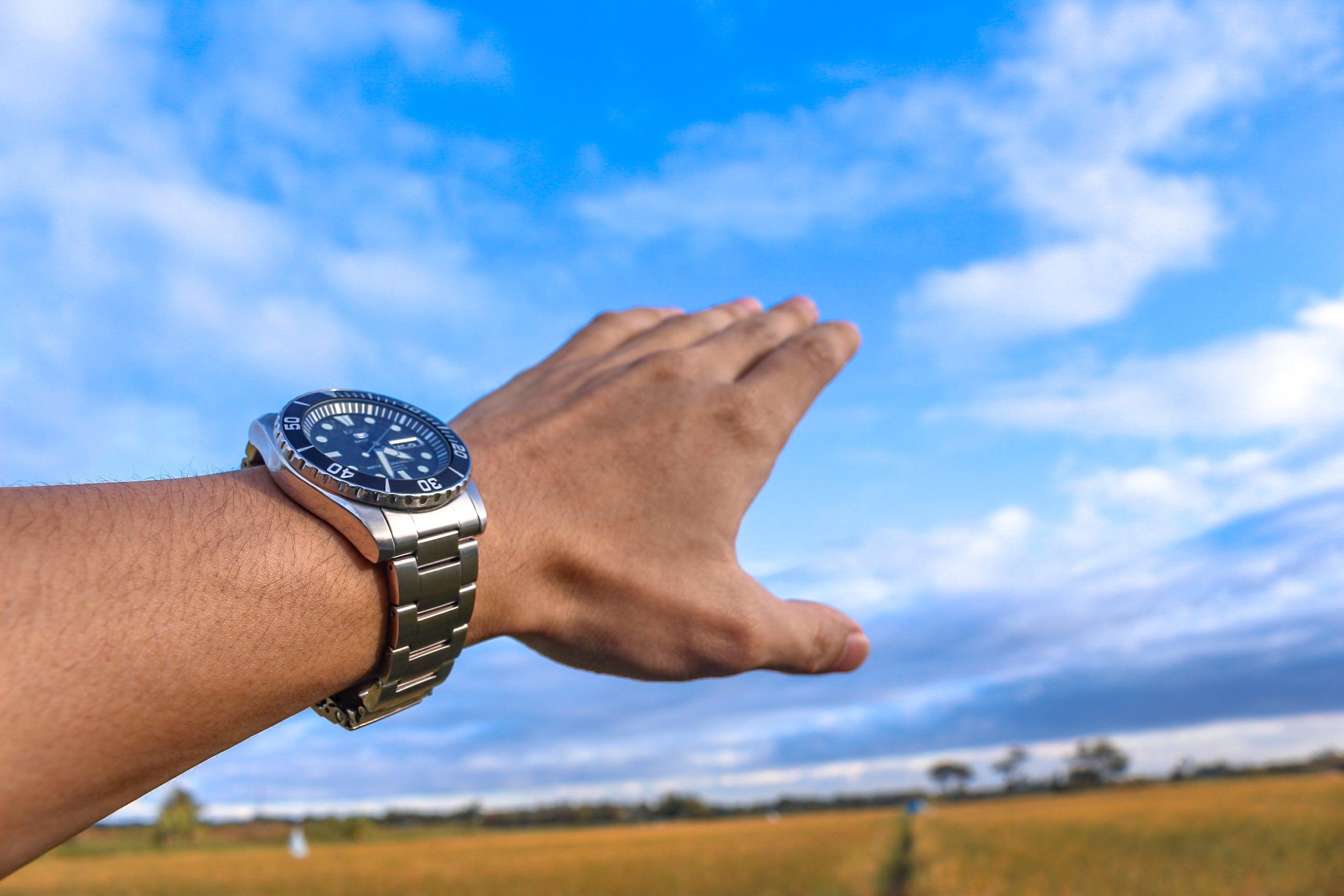 Foto d'estoc gratuïta de mà, Rellotge analògic, seiko