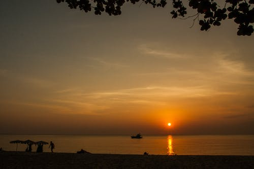 คลังภาพถ่ายฟรี ของ mirophotography.wordpress.com, ชายหาด, ดวงอาทิตย์, ตะวันลับฟ้า